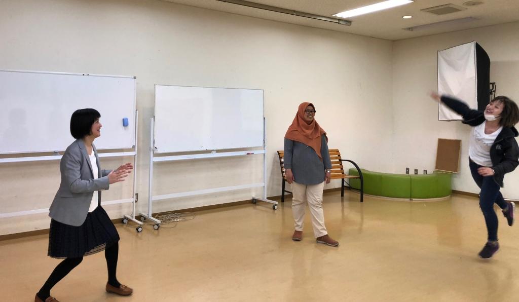 コミュニケーションも英語も学べるハイブリッドクラスの無料体験会を実施しました!